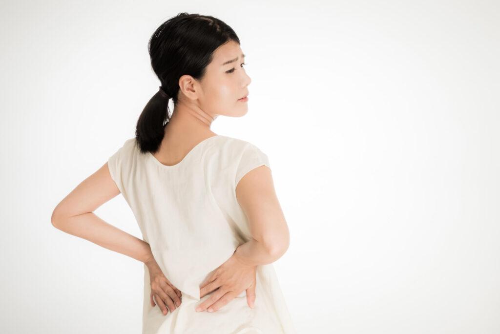 骨盤の歪みに悩む女性